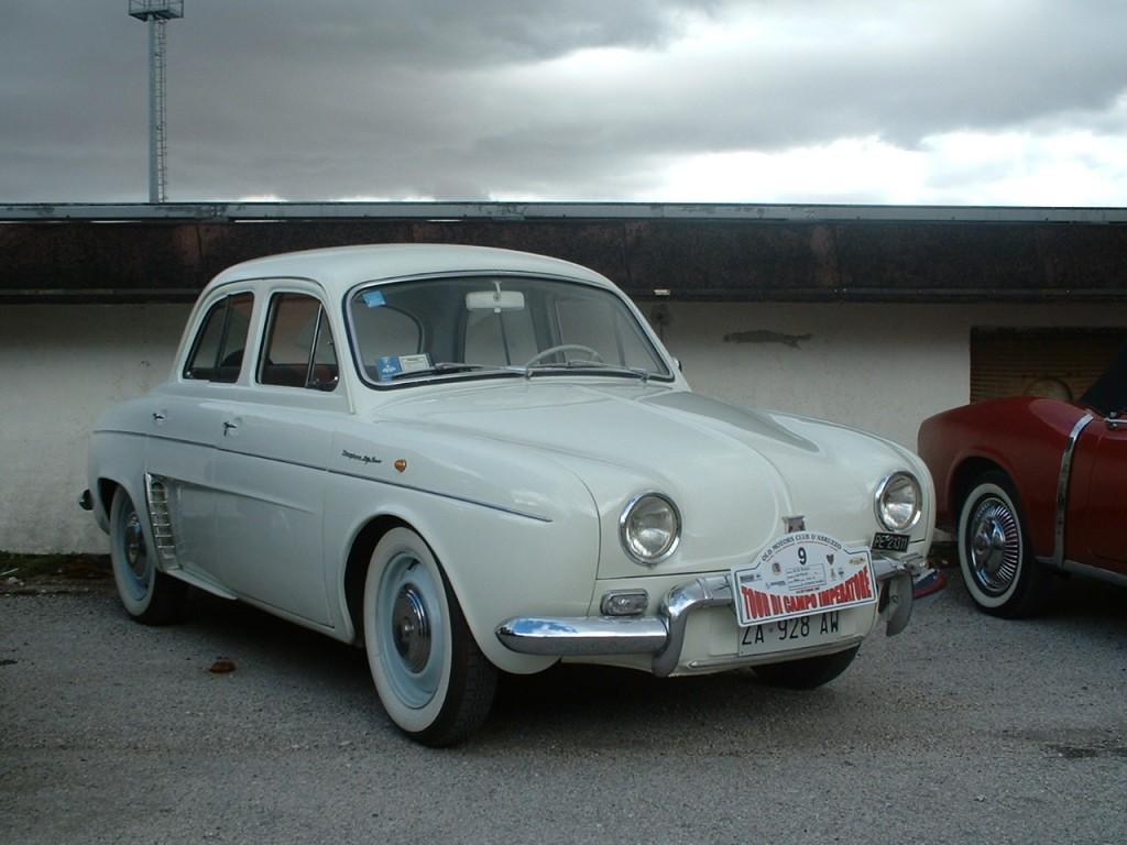 Renault_Dauphine,_1960